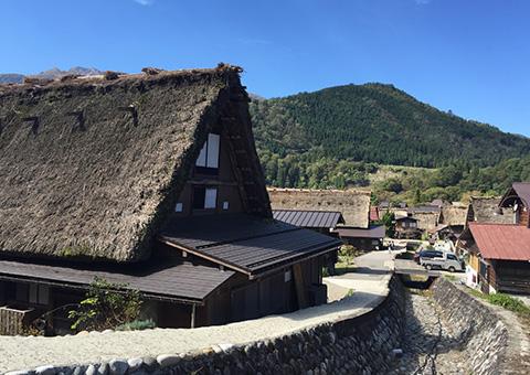 立山黒部アルペンルートと世界遺産「白川郷」を巡る3日間の旅