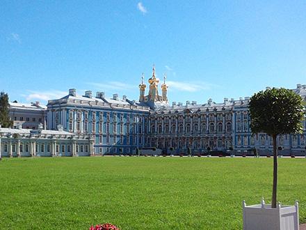 ロシアの世界遺産を巡るモスクワ・サンクトペテルブルク8日間